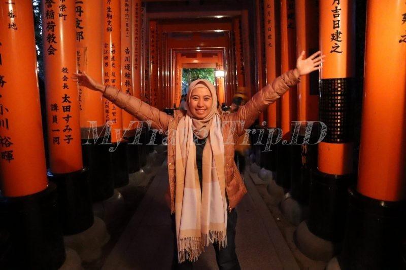 1000 Gerbang di Fushimi Inari