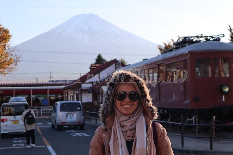 Penampakan Mount Fuji di Kawaguchiko Station
