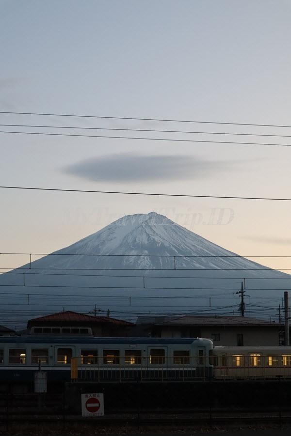 Masya Allah Indahnya Gunung Fuji Saat Matahari Mulai Terbenam